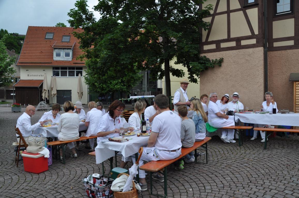 Viertes Diner en blanc in Weissach