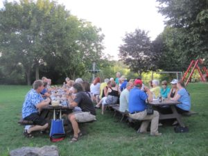 Gäste beim Sommer-/Flammkuchenfest 2014