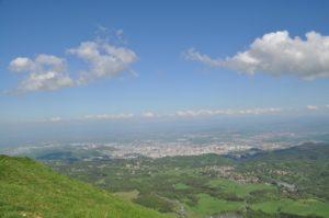 Blick vom Puy de Dôme auf Clermont-Ferrand